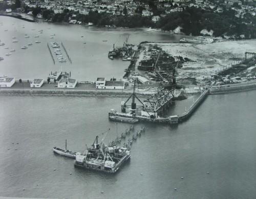 1957 február
