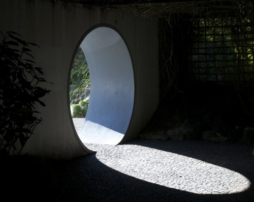 hamilton-circledoor