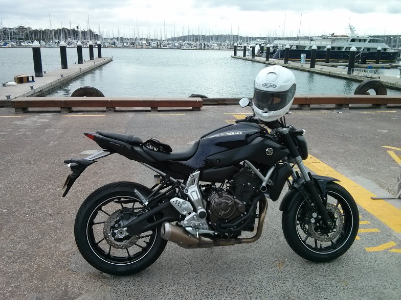 yamaha-mt07-side